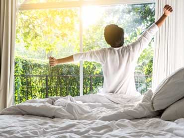 How Making Your Bed Can Change Your Day